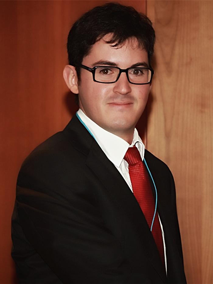 S.E. Hernán Estrada Román