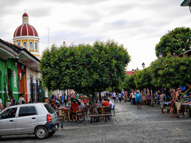 Nicaragua: GRANADA: Calle La Calzada