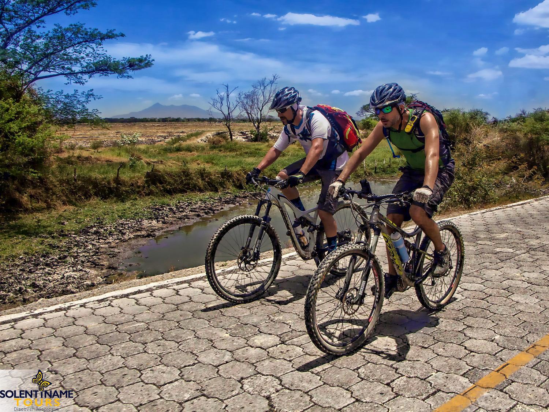 Nicaragua: GRANADA: Nicaragua See, El Lago de Nicaragua, Cocibolca, Las Isletas, Bombacho, Fahrradtour