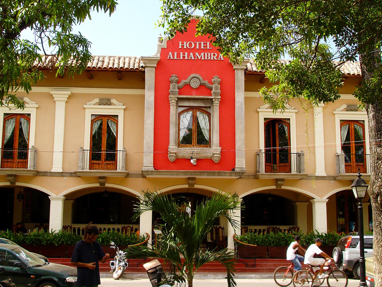 Nicaragua: GRANADA: Hotel Alhambra am Parque Central