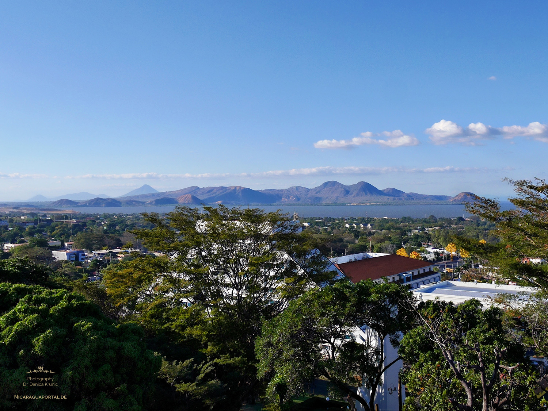 Nicaragua: MANAGUA: Loma de Tiscapa