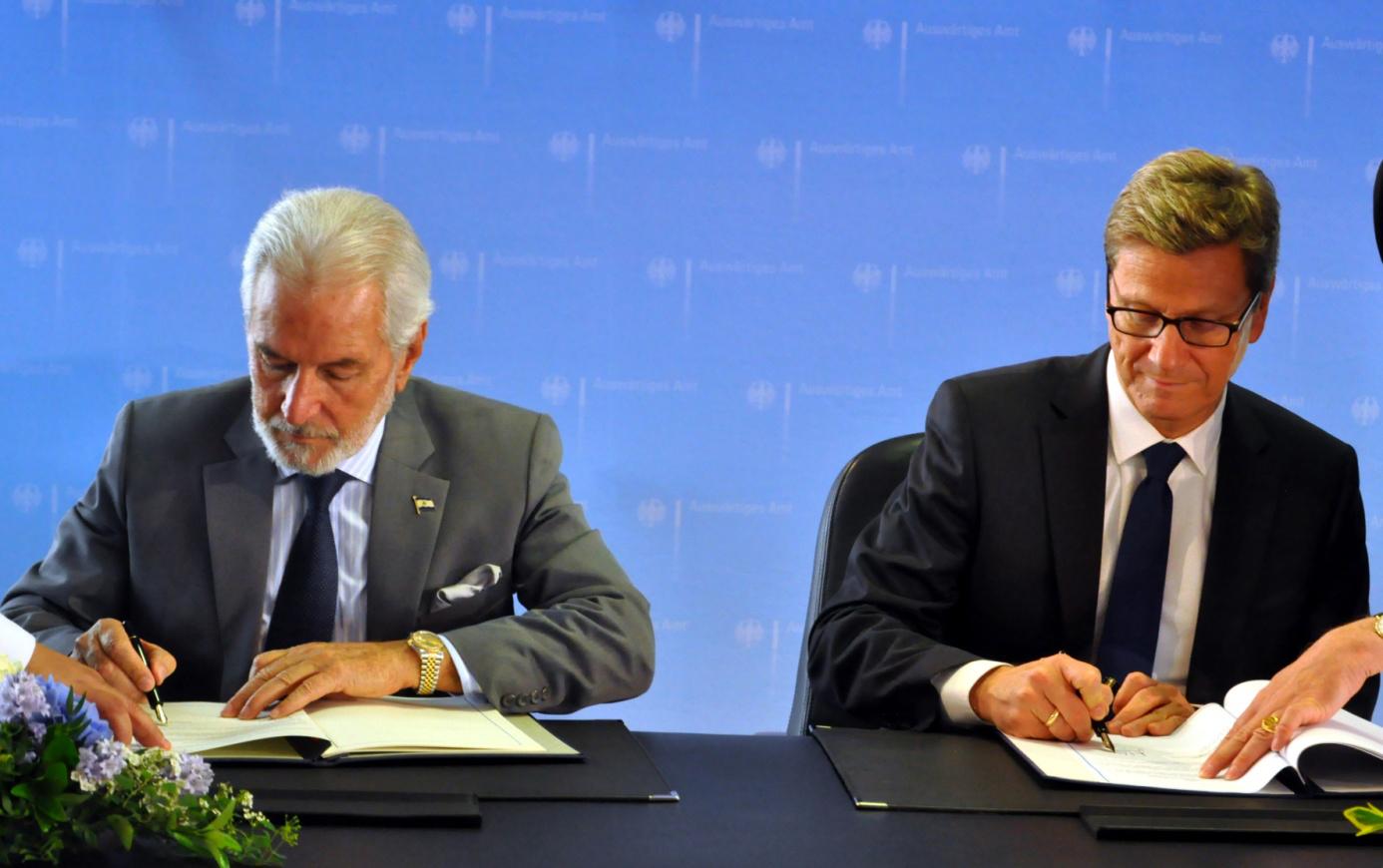 Nicaragua und Deutschland vertiefen ihre Beziehungen. Außenminister Samuel Santos unterzeichnet Abkommen mit Außenminister Guido Westerwelle